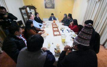 Evo Morales se reunió con empresarios privados y autoridades