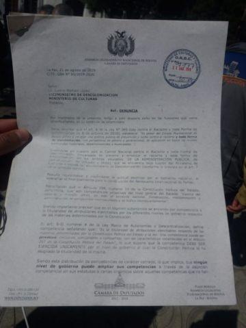 Presentan denuncia contra el ministro de Obras Públicas