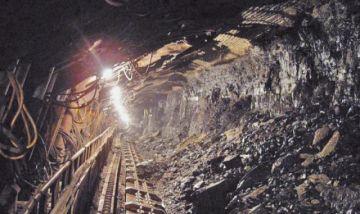 Bochorno mata a dos mineros y deja inconscientes a cuatro en una mina