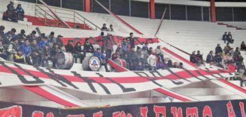 Hinchas de la banda roja se trasladan a Oruro