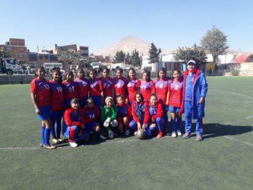 Tupiza se corona campeón de fútbol damas en los pluris