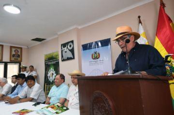 Ganaderos piden a Evo no derogar decreto que permite los chaqueos