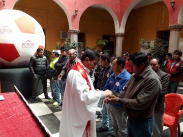 Presentan a los pilotos que representan a Potosí en premio nacional