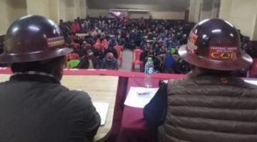 Mineros asalariados anuncian movilización por sus derechos