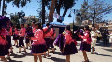 Fraternidades danzan y llegan al templo de San Bernardo