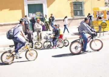"""No se puede beber en la calle el """"Día del peatón y el ciclista"""""""