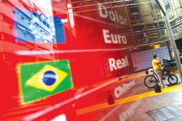 Argentina aumenta control sobre el manejo de divisas