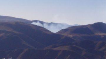 Policías logran controlar el incendio en El Molino