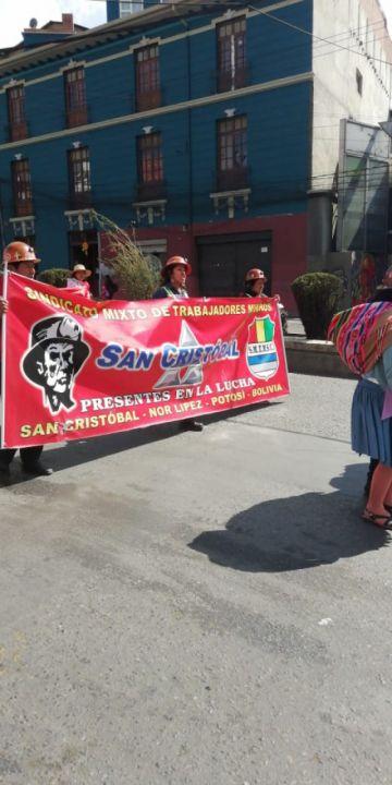 Trabajadores de San Cristóbal marchan hacia el Ministerio de Justicia