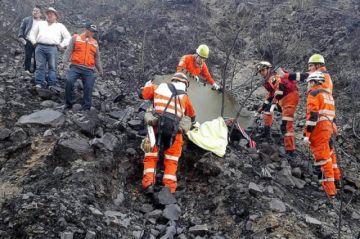 Suman dos muertos por combatir los incendios forestales en Bolivia