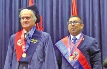 UATF otorga título honoris causa a Carlos Escudero