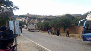 Reportan cierre de la vía Potosí Sucre
