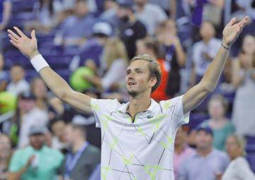 Medvedev pasa a semifinales en el US Open