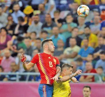 España vence a Rumanía en el debut de Moreno