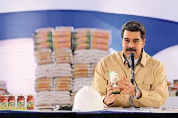 Maduro pide investigación a Guaidó por controversia