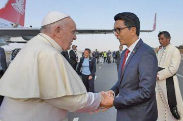 Papa alerta del peligro de la deforestación en su visita a Madagascar