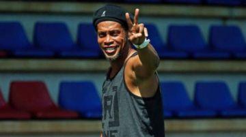 Ronaldinho jugará un partido de exhibición