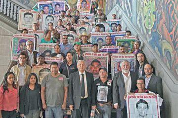 López Obrador busca esclarecer caso Ayotzinapa