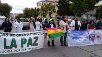 Médicos vuelven a movilizarse y Montaño llama a retomar diálogo