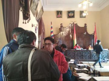 Concejal viajero pide ignorar lo que publica El Potosí