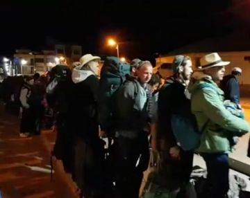 Anoche evacuaron a más de un centenar de turistas de la ciudad de Uyuni