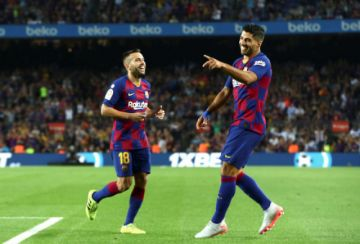 Barcelona aguó el debut de Celades