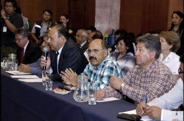 Gobierno y médicos retoman el diálogo a 28 días del paro