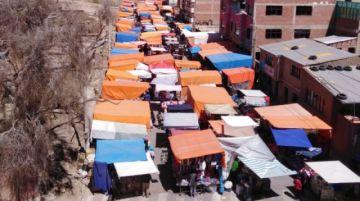 Un grupo de comerciantes de la feria popular anuncia su retorno a la avenida Sevilla