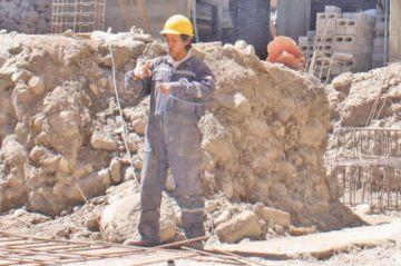 Alcaldía garantiza recursos para continuar las construcciones en salud