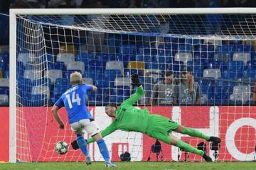 """El Nápoles tumba al campeón de Europa en el """"San Paolo"""""""