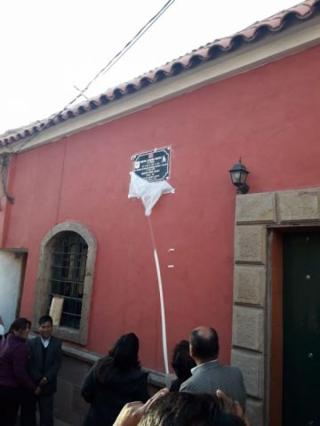 Descubren placa de homenaje a Humberto Iporre Salinas