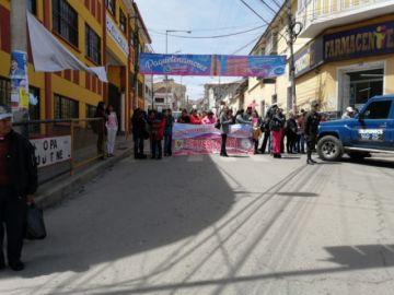 Los médicos en Potosí bloquean las calles