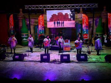 Kjarkas cierran la noche de folklore que inauguró el FIC de la Alcaldía