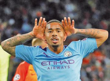 Manchester City golea al Shakhtar Donetsk