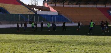 Nacional Potosí lleva adelante la práctica de fútbol en el estadio Víctor Agustín Ugarte