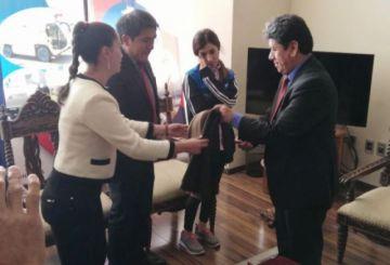 Nadia Murad, Premio Nobel de la Paz, arriba a Sucre