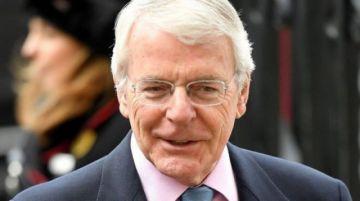"""Johnson continúa recibiendo críticas por el """"brexit"""""""