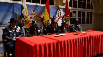 La Asamblea otorgó reconocimientos a exdifigentes campesinos