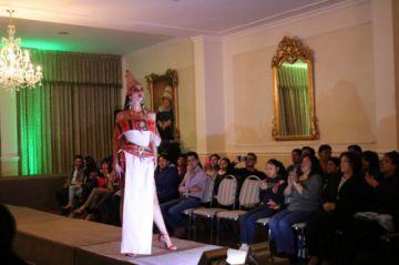 Mostraron los diseños de moda  boliviana