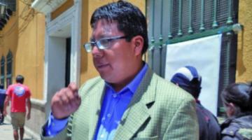 Concejal del MAS agrede a un candidato de Bolivia Dice No