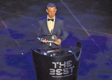 Daniel Szori gana el premio al mejor gol