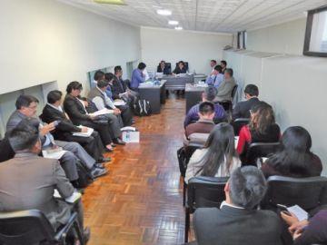 Investigan a dos vocales por favorecer al alcalde de Uyuni