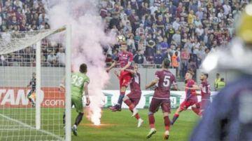 UEFA sanciona a Rumania, Hungría y Eslovaquia por actos racistas de aficionados