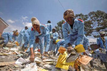 Kenia: Derrumbe provoca la muerte de siete niños