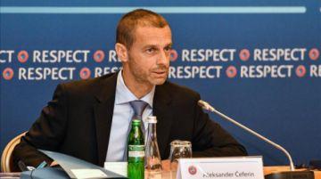 La UEFA pide a los clubes que no jueguen donde se veta a las mujeres
