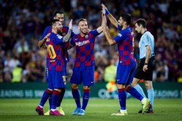 Barcelona gana sin brillo a Villarreal