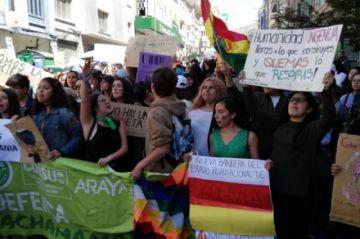 Jóvenes toman las calles de La Paz y piden declarar desastre nacional por los incendios en la Chiquitania