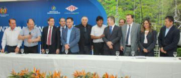 Bolivia suscribe un contrato para comercializar gas a Mato Grosso