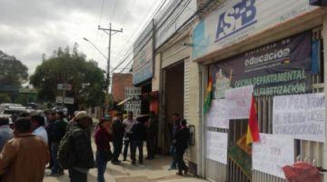 Transportistas anuncian movilizaciones en Chile y Bolivia por tarifas