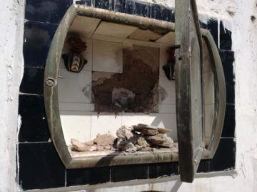 Detienen a dos sujetos que supuestamente robaban en el panteón